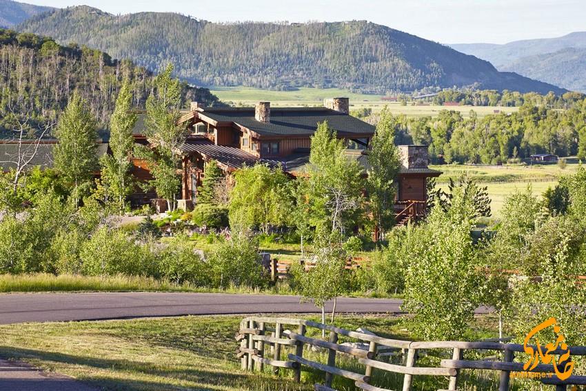 معماری داخلی طبیعت گرا ، با دید عالی ارتفاعات کلرادو